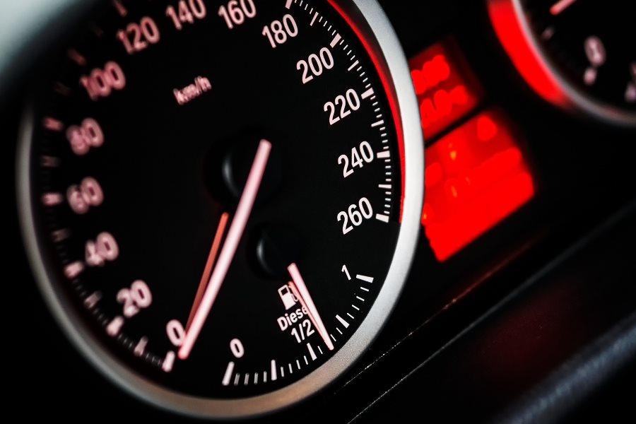 conduire à vitesse constante